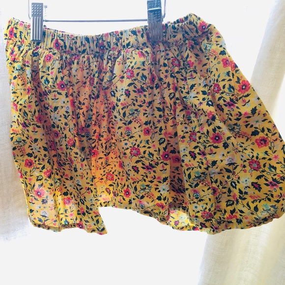 680758b179 GAP Bottoms | Floppy Flippy Skirt Yellow Floral Nwot | Poshmark
